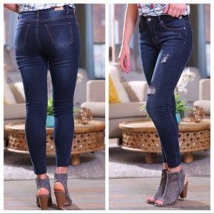 ✨LAST✨ Dark Denim Skinny Jeans